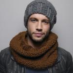 un-bonnet-et-un-snood-a-tricoter-pour-monsieur